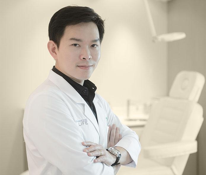 著名医生、医学博士Chayut Fungtongjaroen简介